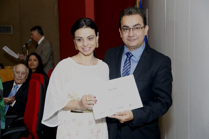 Promotora Ana Paula Pina Gaio durante entrega de prêmio em 2015 (FOTO: Vivian Fernandez)